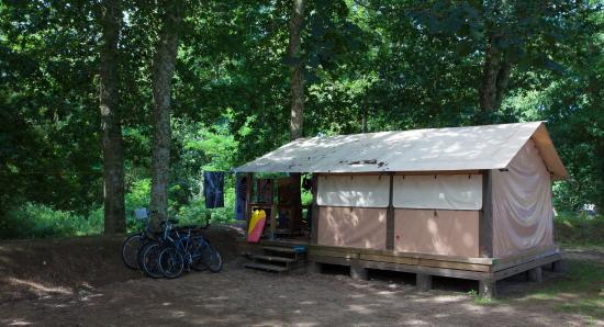 Camping La Clairiere: tente lodge