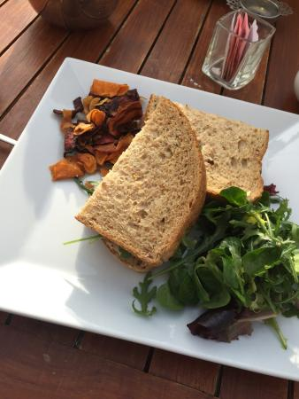 Garden Room Cafe Restaurant: Roastbeef sandwich.