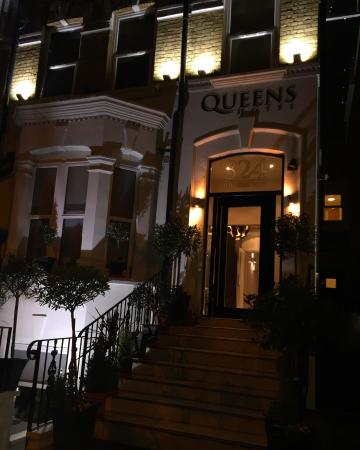Photo of Queens Hotel London