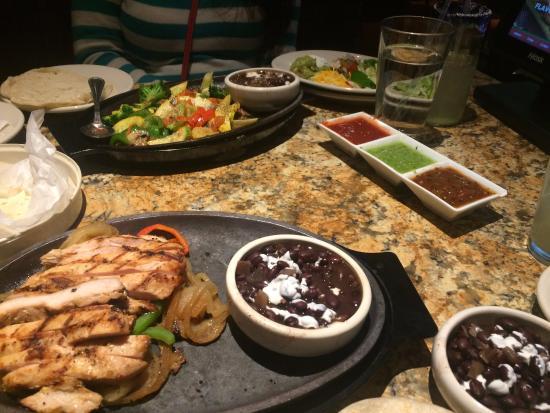 chicken fajita and blackbeans picture of abuelo s columbus rh tripadvisor com