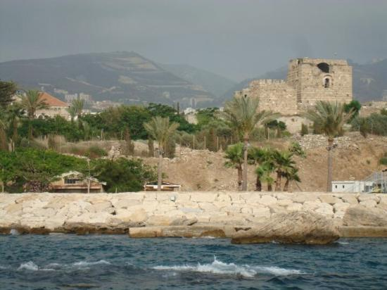 Byblos, Lübnan: Beautiful historic port and surrounding area. Lots of great places to eat too!