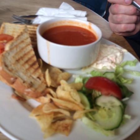Clatterin Brig Restaurant: Soup & Toastie