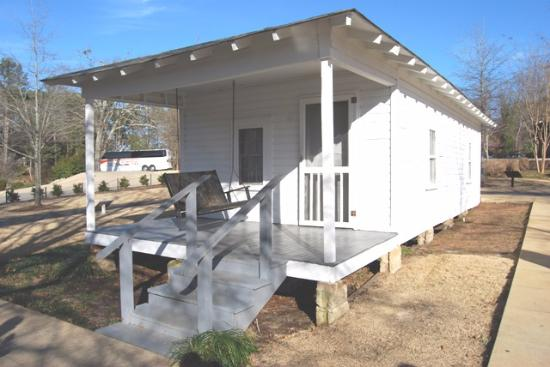 family home picture of elvis presley birthplace museum tupelo rh tripadvisor com au