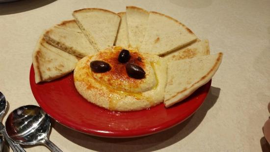 Zoes Kitchen: Classic hummus