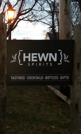 Pipersville, PA: Hewn outside sign