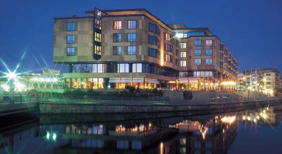 Parkhotel Pforzheim : Vista do hotel, peguei na internet, pois não tirei foto do hotel inteiro.