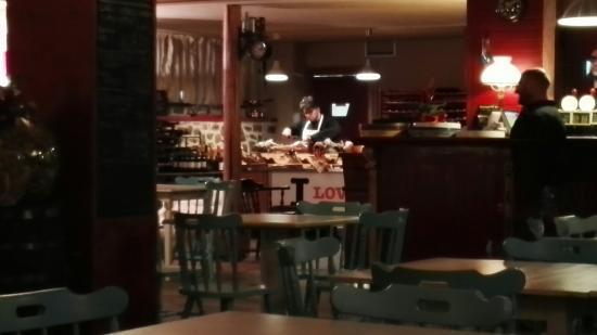 Capraia e Limite, Italy: Porno Street Food Gourmet Birra & Braci