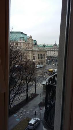 Das Opernring Hotel: View from the Breakfast Room