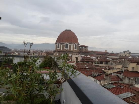 บอสโคโล อัสตอเรีย: City view from Boscolo Hotel Astoria's roof garden
