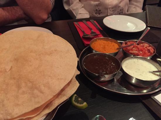 Viraaj Restaurant: photo4.jpg