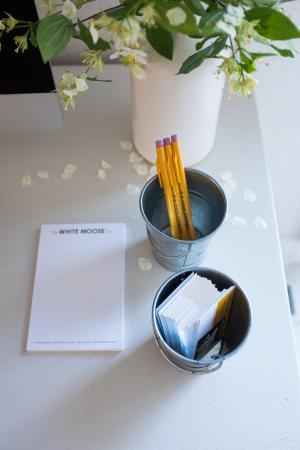 Washington, فيرجينيا: White Moose--desk