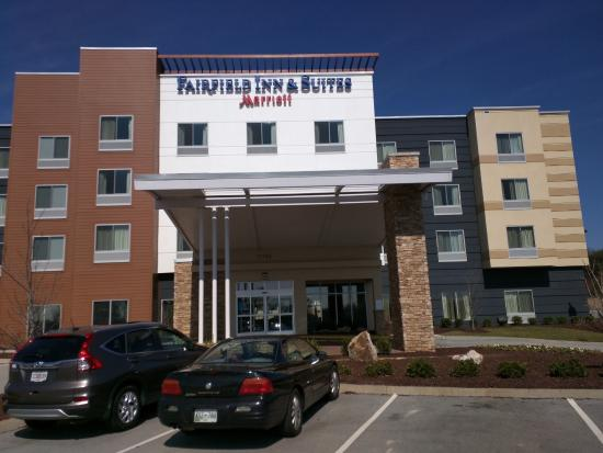 hotel front picture of fairfield inn suites knoxville west rh tripadvisor com