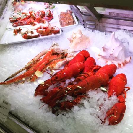 KaDeWe Feinschmeckerbars: seafood counter
