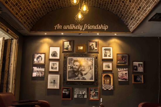 Ernest & Fidel Cafe : Inside the Cafe