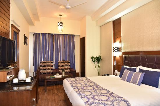 Hotel Shiraz Regency : Comfortable Stay. This hotel is easily approachable from amritsar railway station and Amritsar a