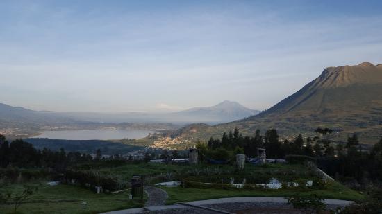 San Pablo Del Lago, เอกวาดอร์: Picture taken outside the hotel's main building terrace