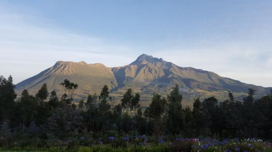 San Pablo Del Lago, เอกวาดอร์: View of Imbabura volcano from the Hotel