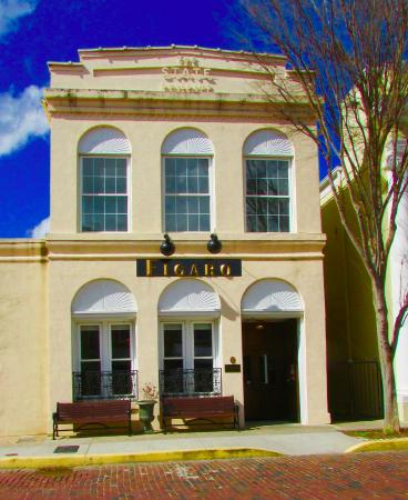 Lovely Historic Building Located In A Charming Southern Town