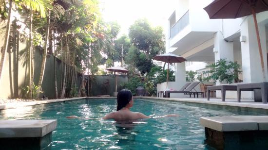 Sunset Residence Condotel: Kolam renang