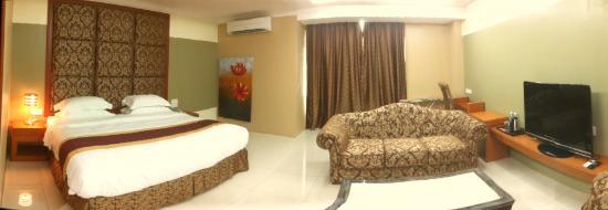 River Park Hotel: SUITE ROOM