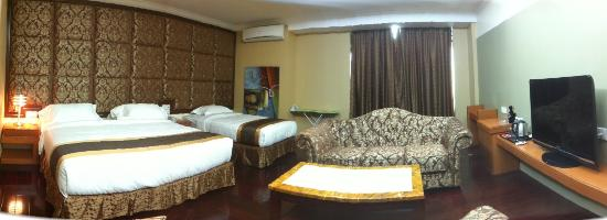 River Park Hotel: SUITE FAMILY ROOM
