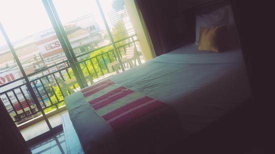 Ini kamar yang kemarin kami pakai, nyaman untuk ukuran lub sbuy guest house