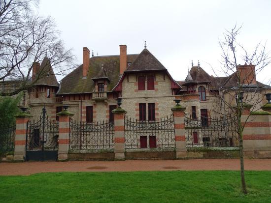 L 39 ext rieur de la maison mantin picture of maison mantin - Maison mantin moulins 03 ...