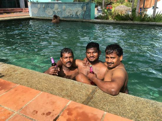 Beach Bubbles Hotel Img 20160314 Wa0016 Large Jpg