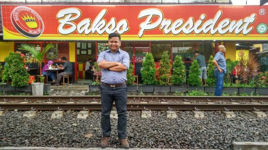 Bakso President: located near to train rail. have minimum amount of parking lot.