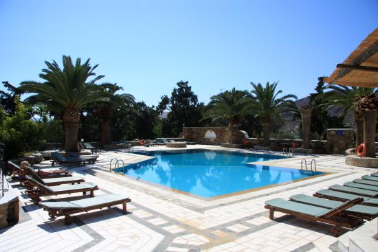 Armadoros Hotel: swimming pool overview
