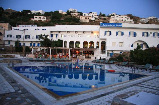 Armadoros Hotel: swimming pool view