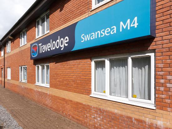Travelodge Swansea M4