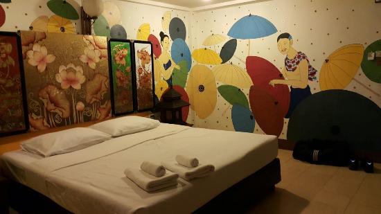 โรงแรมพาราซอล อินน์ บาย คอมพาส ฮอสพิทอลิตี้: Parasol