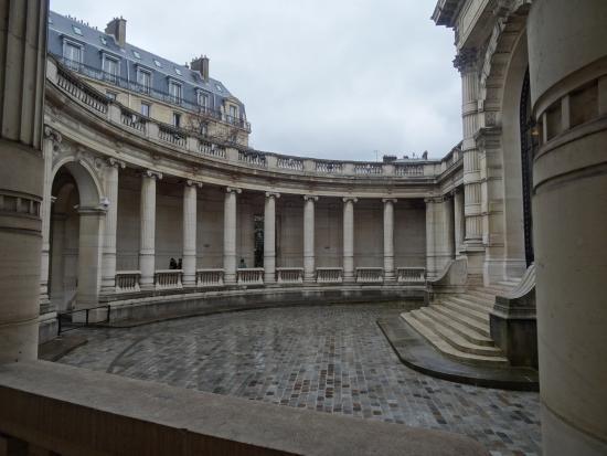 Musee De La Mode De La Ville Paris
