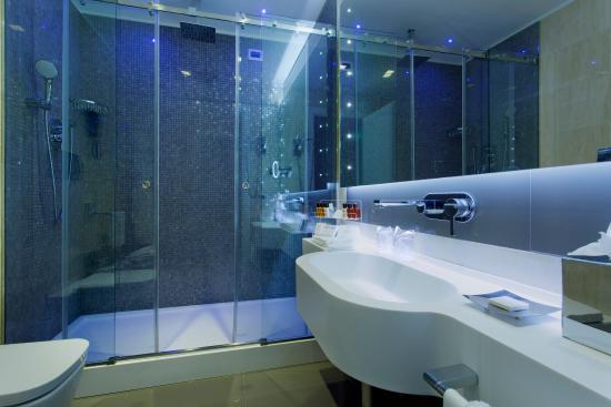Hotel Artemide - room photo 11026203