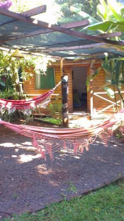 Garden Stone Hostel: Garten..Doppelzimmer