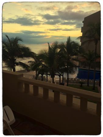 Fiesta Inn Veracruz Boca del Rio: Amanecer desde nuestra habitación