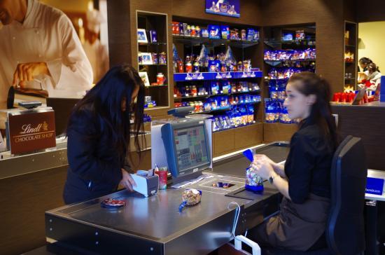 Lindt Chocolate Shop Kilchberg Check Out Cashier