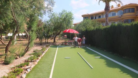 Estrella del Mar, España: Our two lane short mat bowls