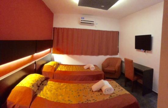 Las Moras Catriel Hotel