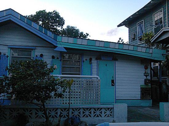 Arawak Inn: petite chambre bleue et verte