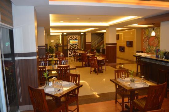 Alu Hotel: Restuarant