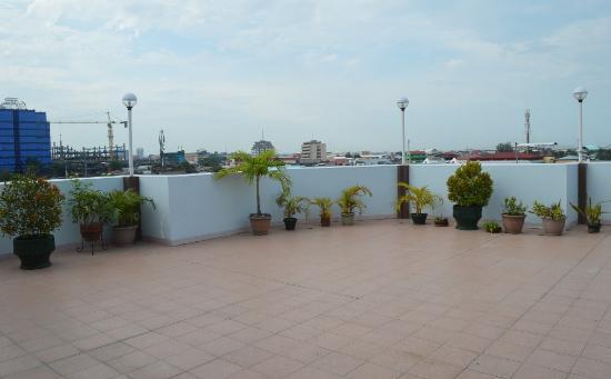 Alu Hotel: Roofdeck