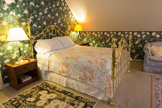 Harrison House Bed & Breakfast: Room #6