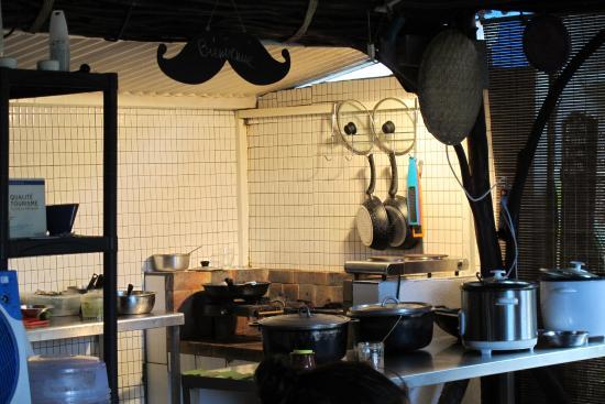 Cuisine Feu De Bois on se fait servir, cuisine feu de bois - picture of chez moustache