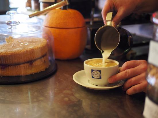 The Square Orange Cafe Bar: Latte art