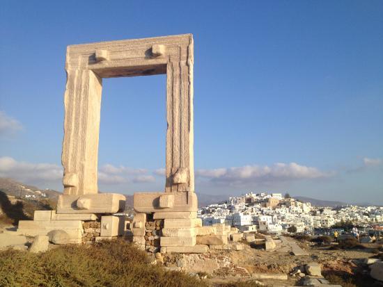 นักซอสซิตี, กรีซ: Vista verso la città vecchia
