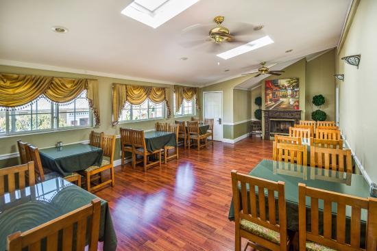 Rose Garden Inn: Breakfast Room