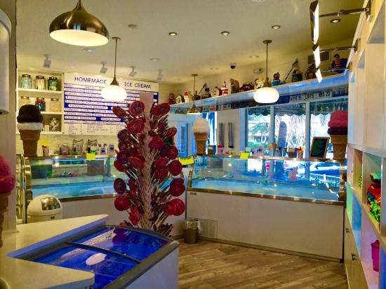Hilton Head Ice Cream: the shop
