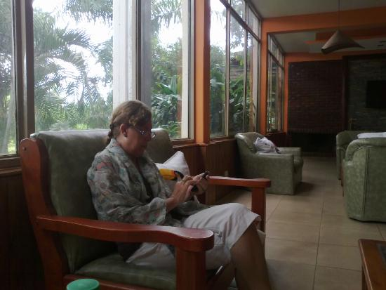 Foto de hotel carmen puerto iguaz es una gran sala de for Desarrollar una gran sala de estar